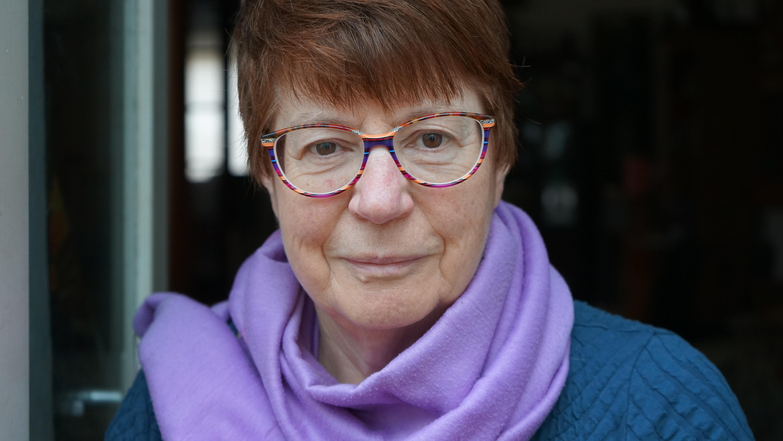 Cath Barton. Author pic. Feb 2020